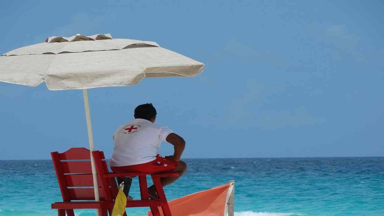 Vacanze 2020, quali sono le regole per andare in spiaggia?