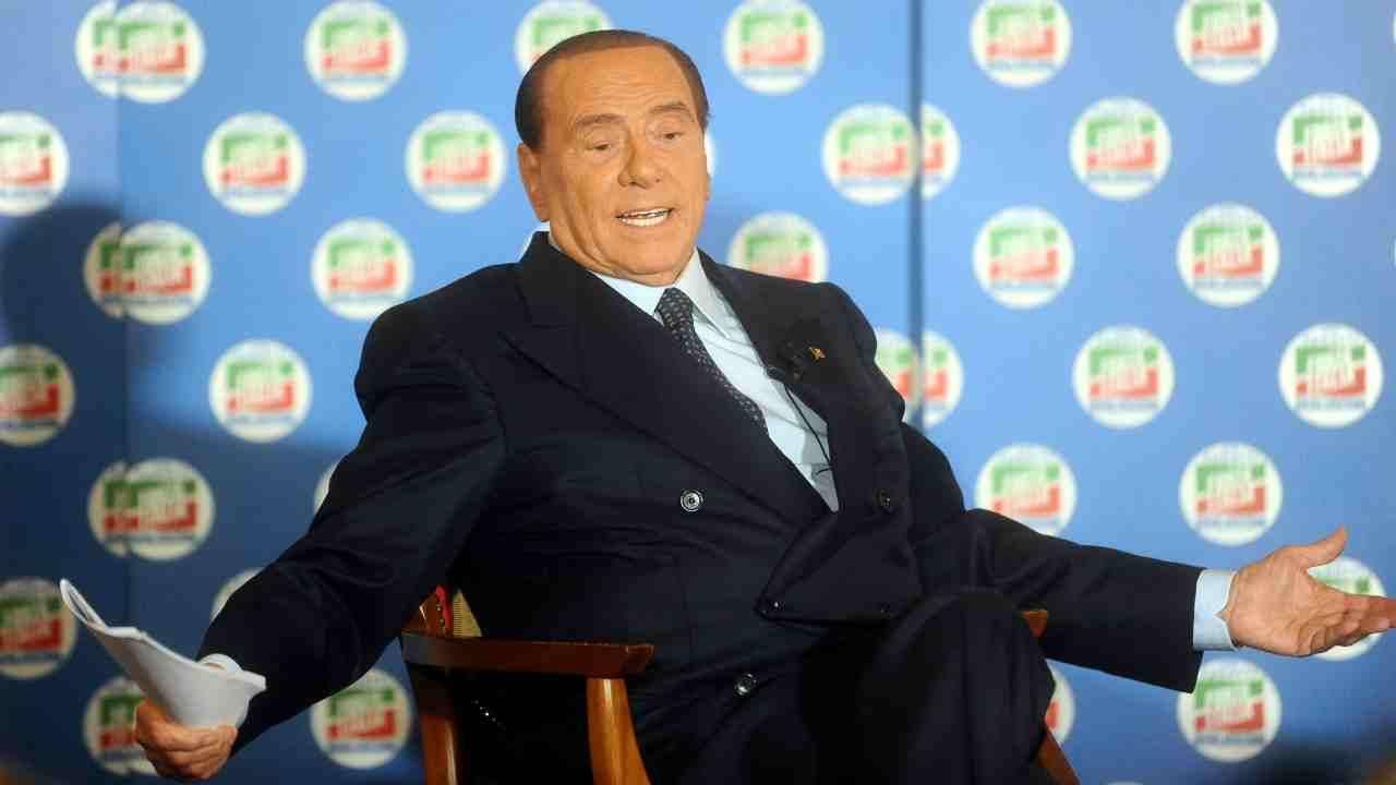 """Silvio Berlusconi, netto sul coronavirus: """"Collaborare con Conte? Un atto patriottico"""""""