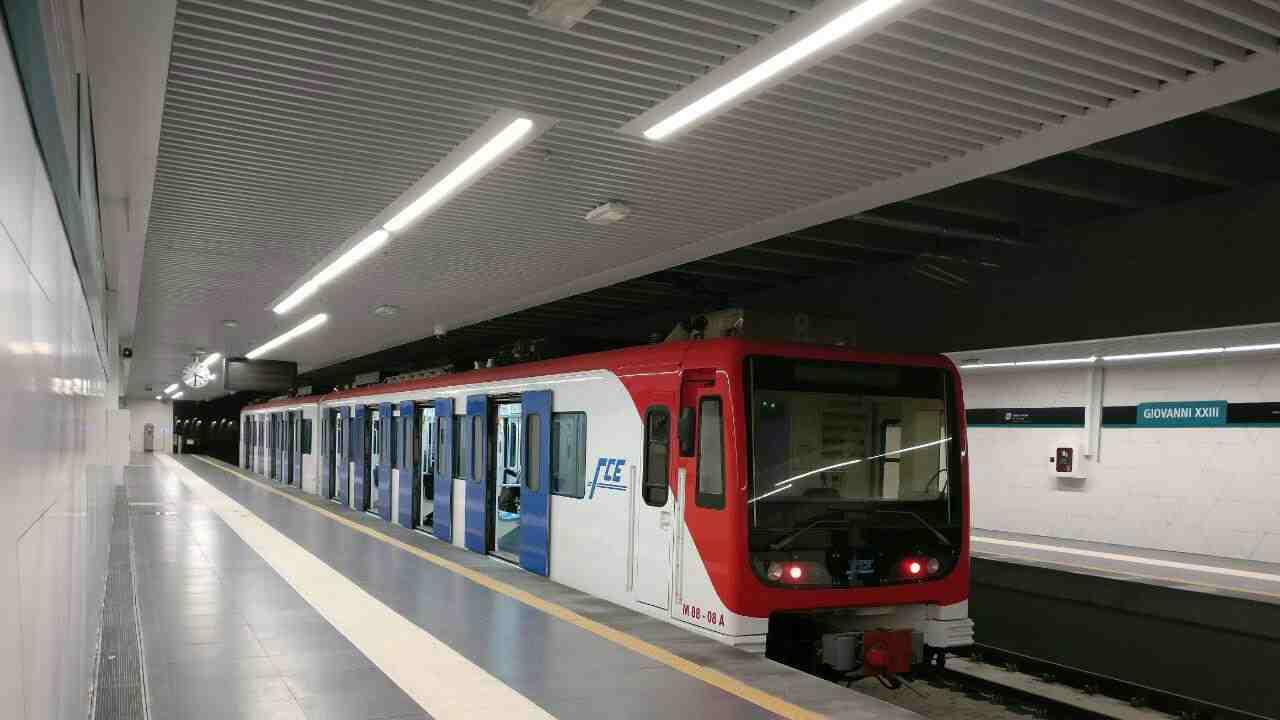 incidente metro a roma