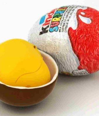 Ovetto Kinder, il motivo del colore dell'involucro sorpresa