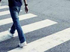 Pedoni, allarme dopo lo studio dell'Osservatorio Asaps: perché non usiamo più i marciapiedi
