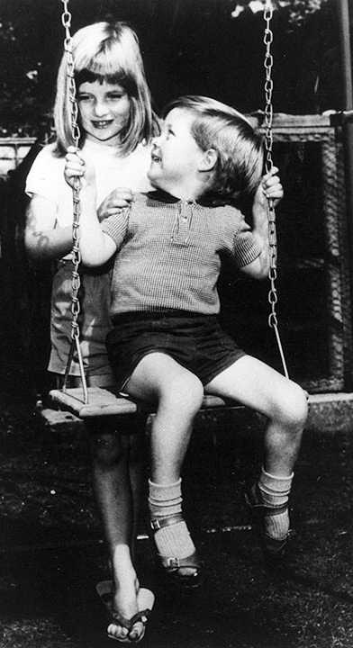Lady Diana Carlo Spencer fratello bambini