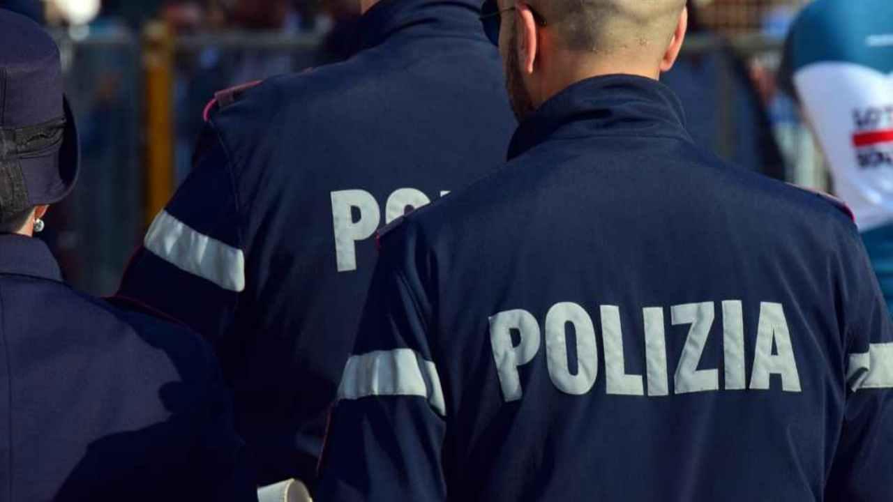 Torino, imbavagliato e ucciso: consulente finanziario trovato morto nella sua auto