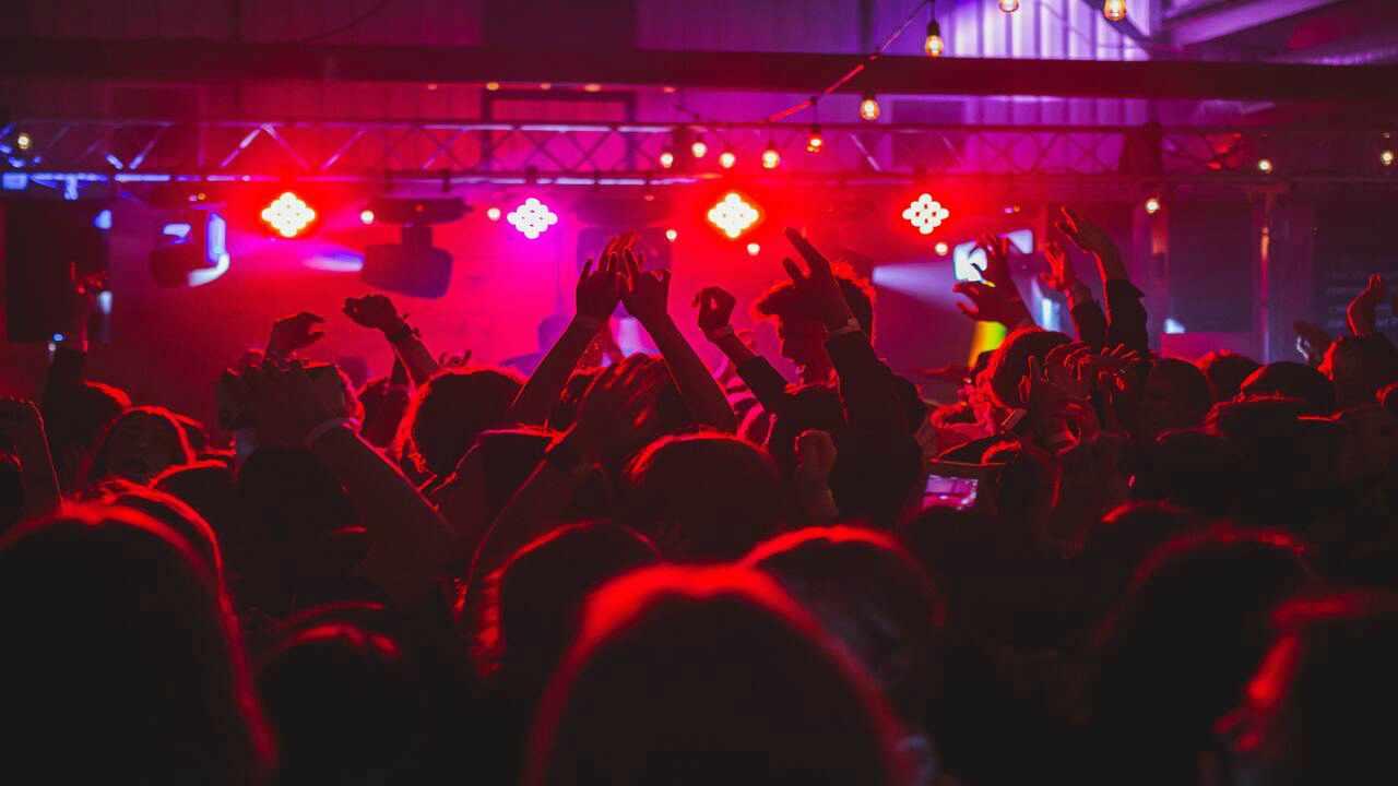 Contagiati in un night club praga