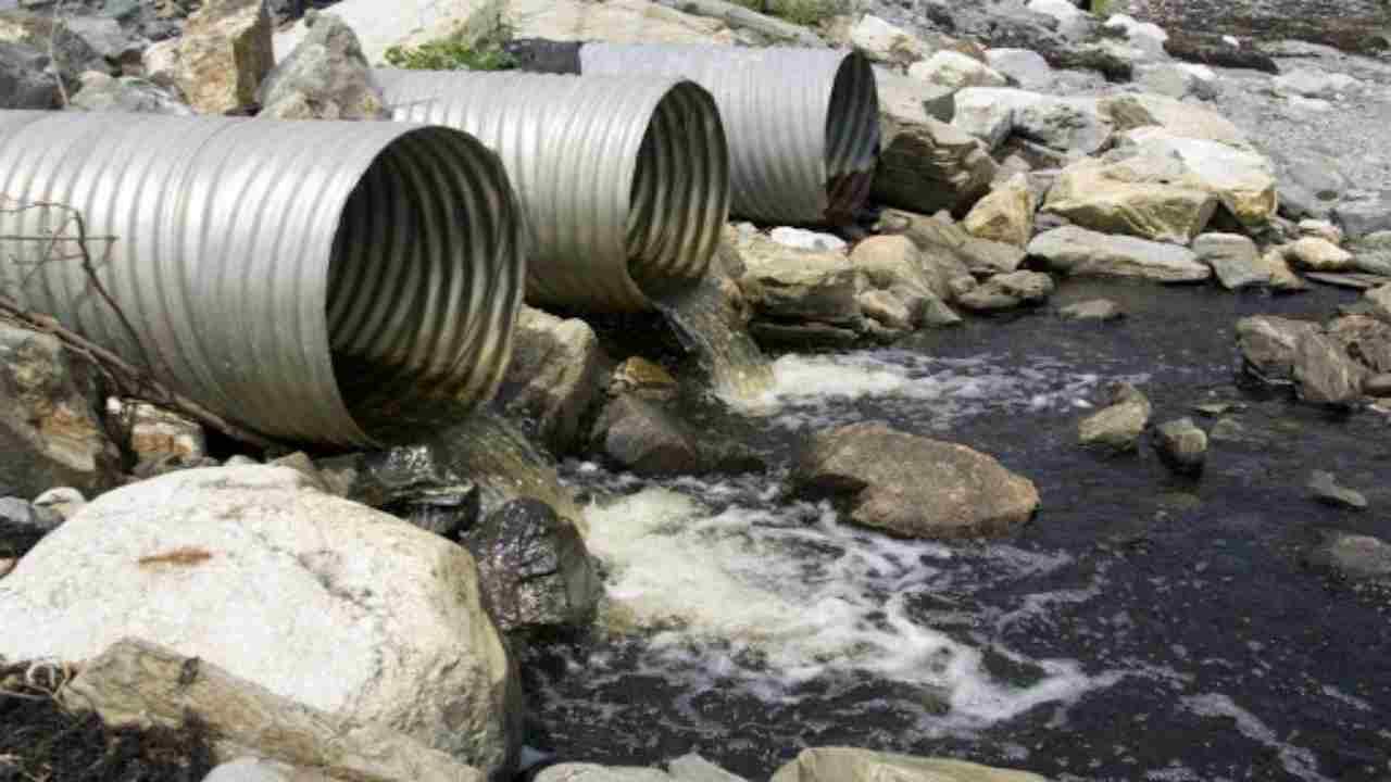L'Unione Europea sta stilando un documento con un piano che mira a recuperare le aree contaminate dai Pfas.