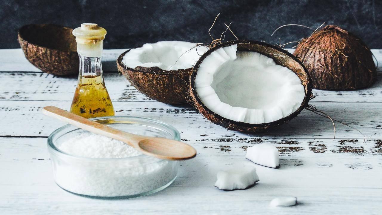olio di cocco per combattere eruzioni cutanee