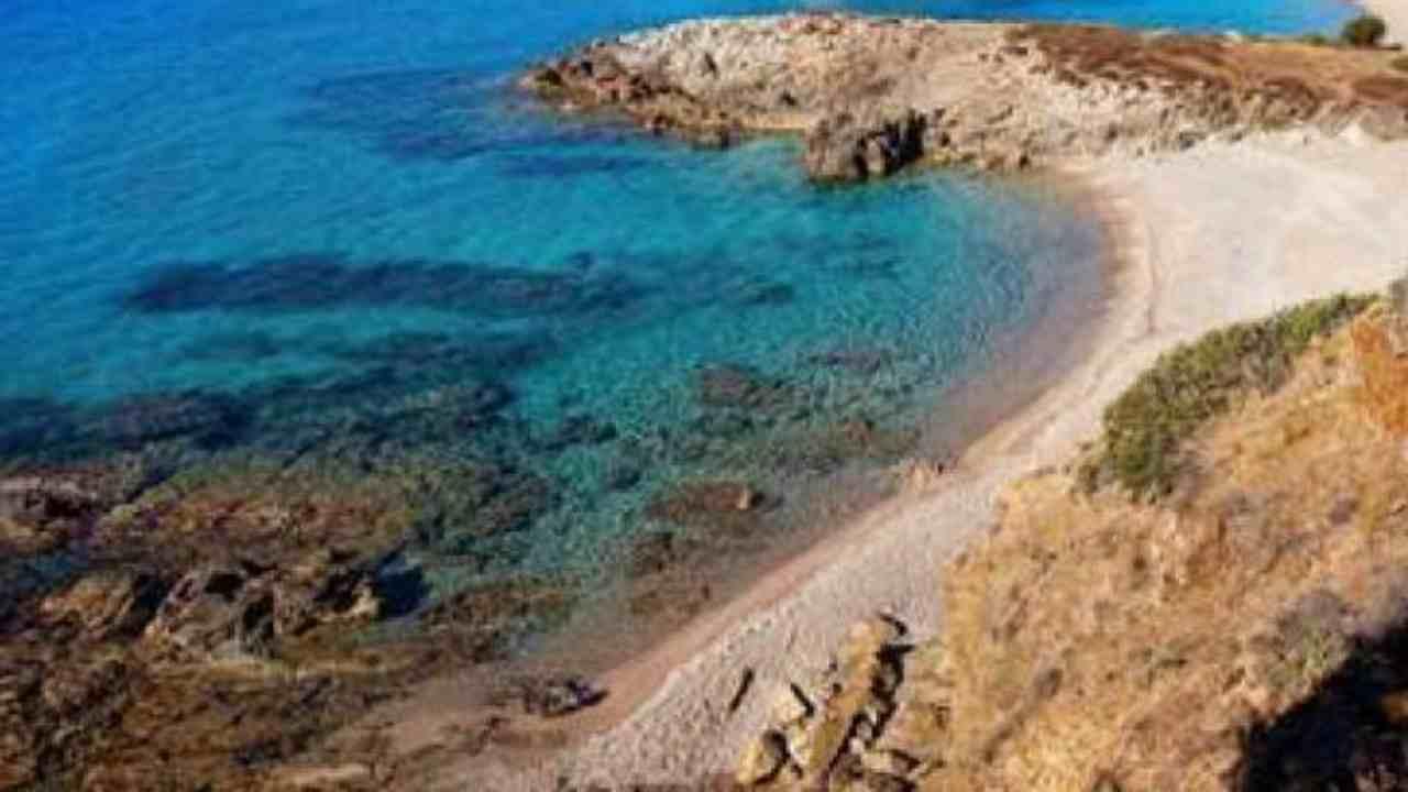 Turista precipita da scogliera a Porto Palmas
