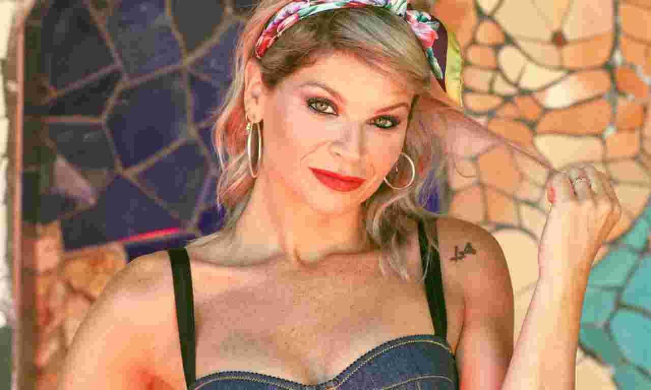 Alessandra Amoroso in bikini