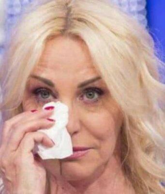 Antonella Clerici piange