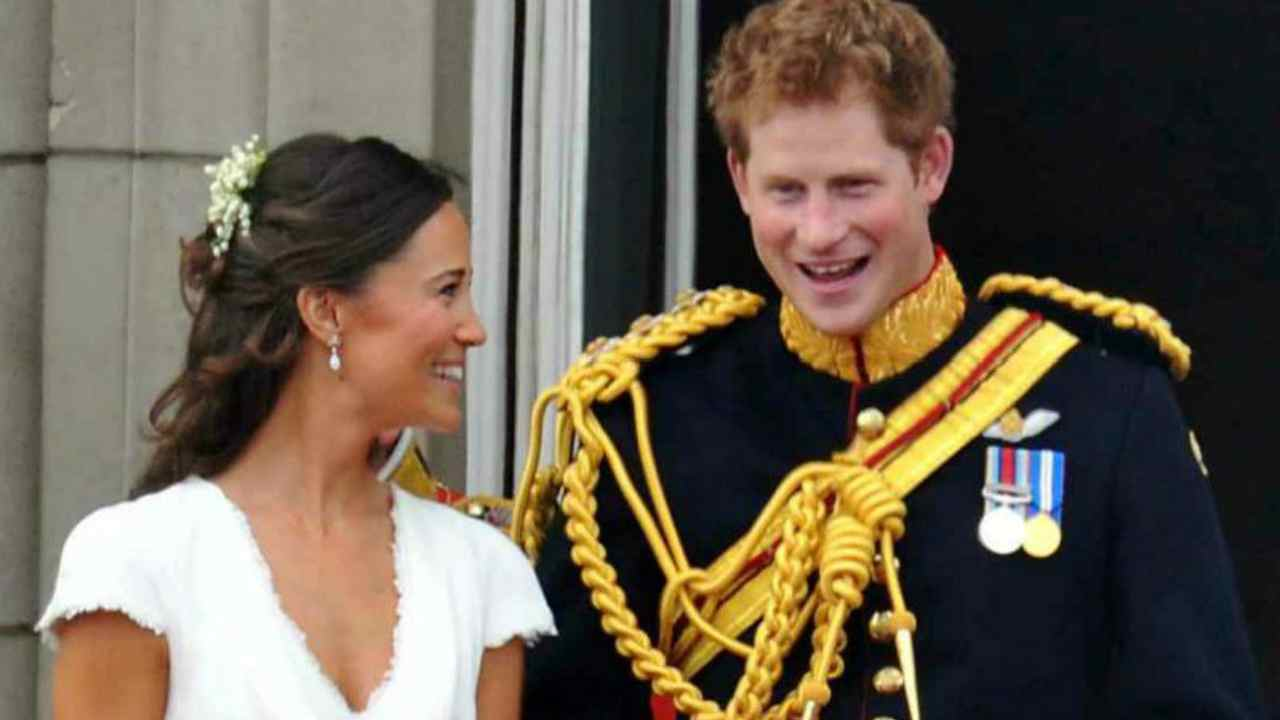 Principe Harry Pippa Middleton bacio bagno matrimonio