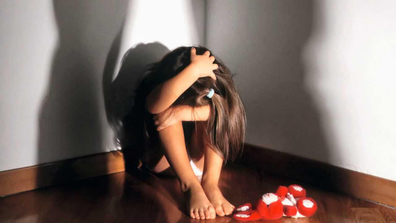 abusi sulle nipoti: zio arrestato
