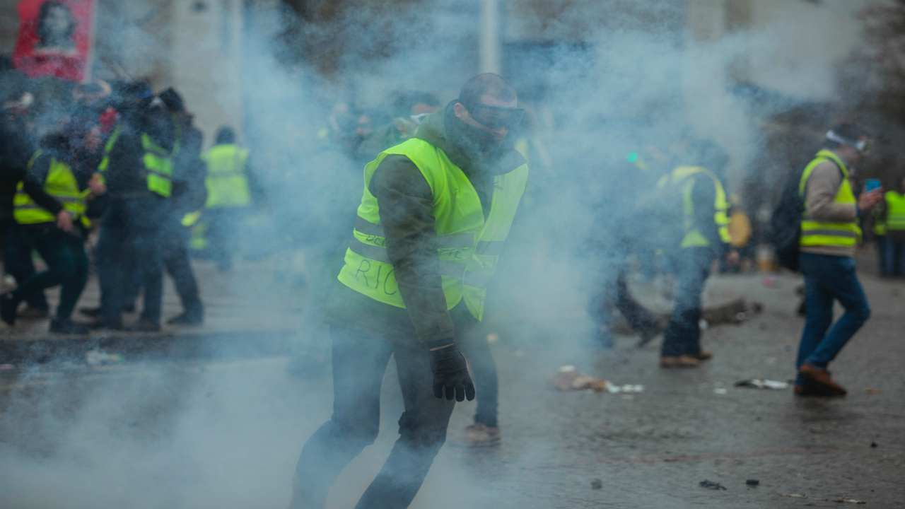 caos e rivolte a beirut