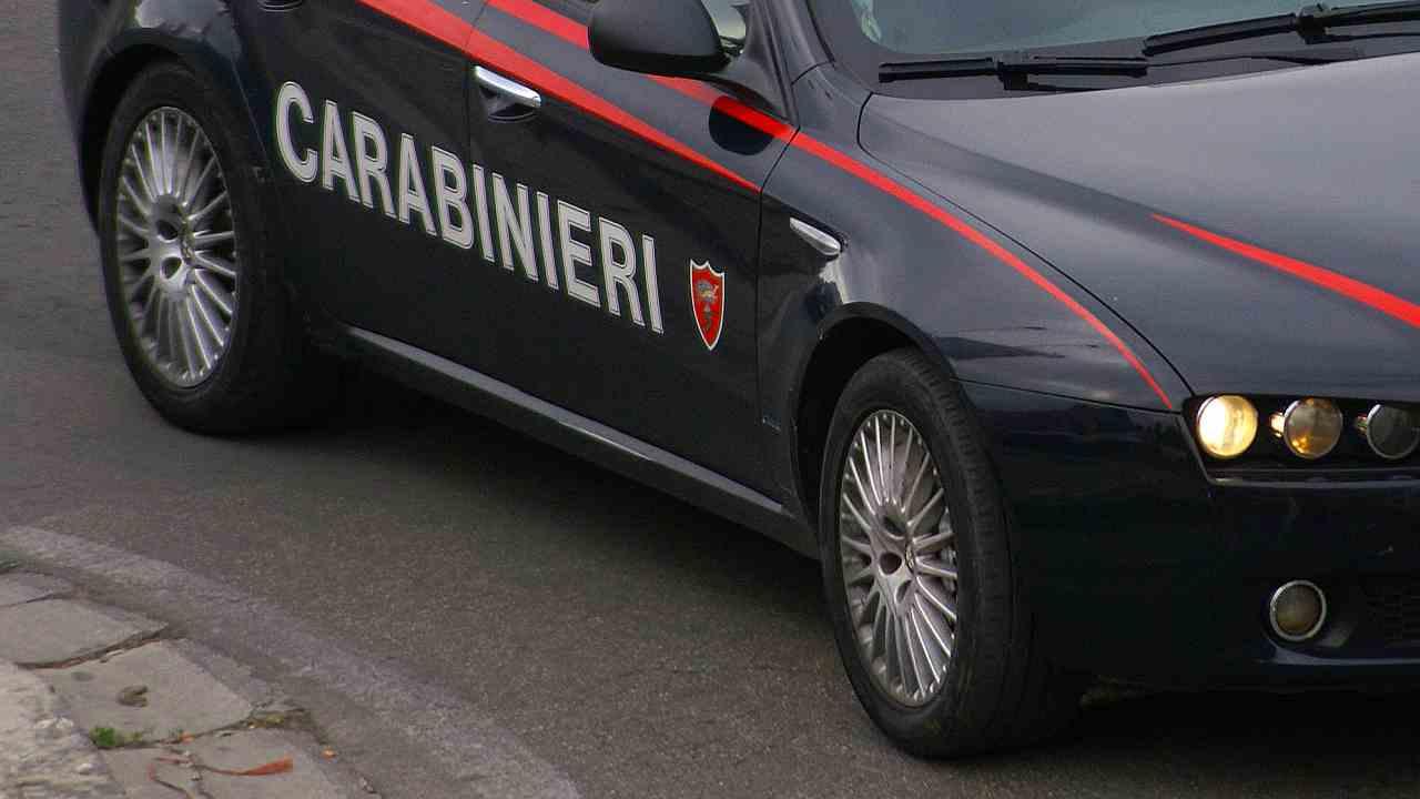 lite ferito carabiniere napoli