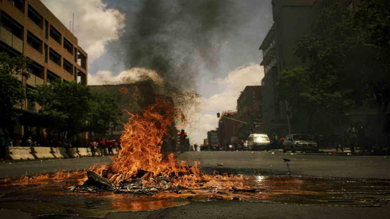 libano in crisi proteste e scontri
