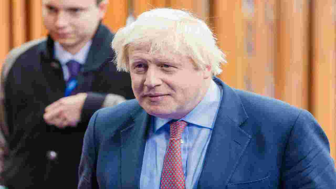 Johnson stringe i tempi per accordi UE