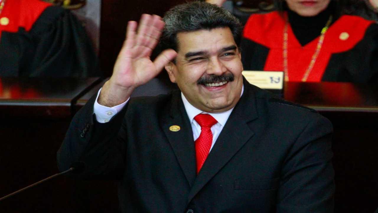 Nicolas Maduro accusato crimini contro umanità