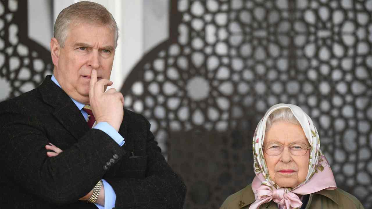Regina elisabetta principe andrea scandalo