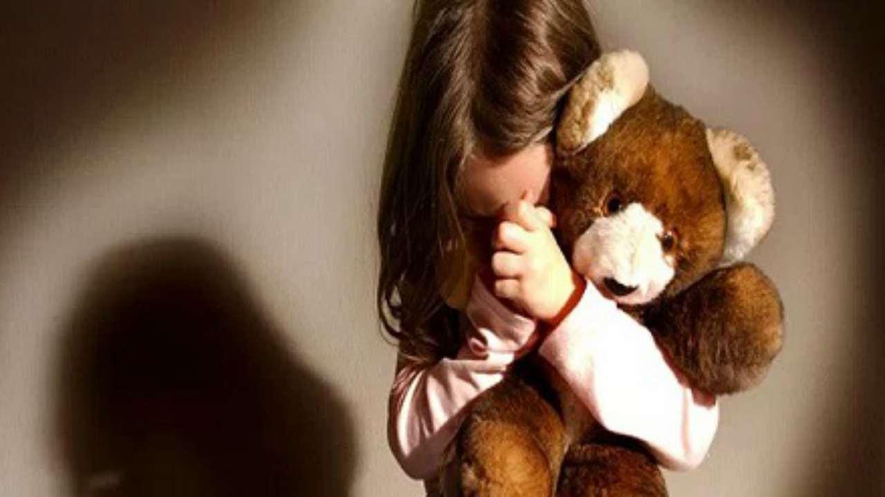 Madre e padre abusavano di bambina Grosseto