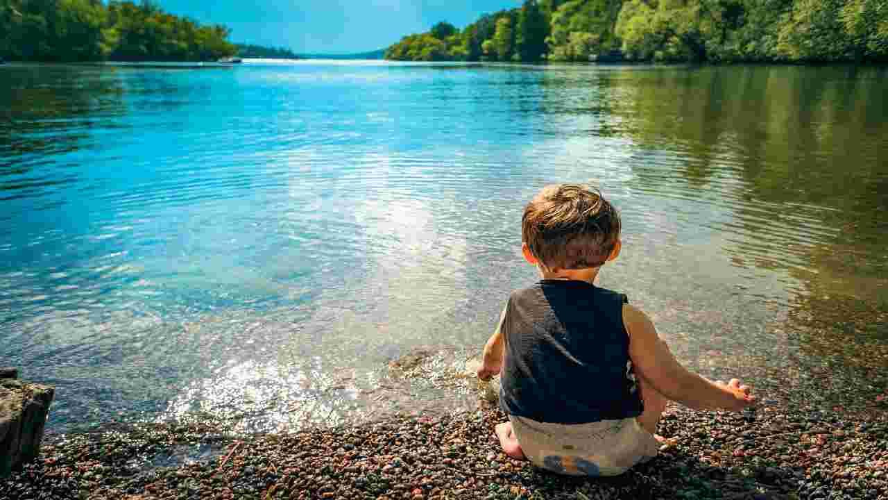 bambino fa bagno lago e muore ucciso da ameba mangia cervello