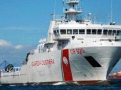peschereccio sperona guardia costiera