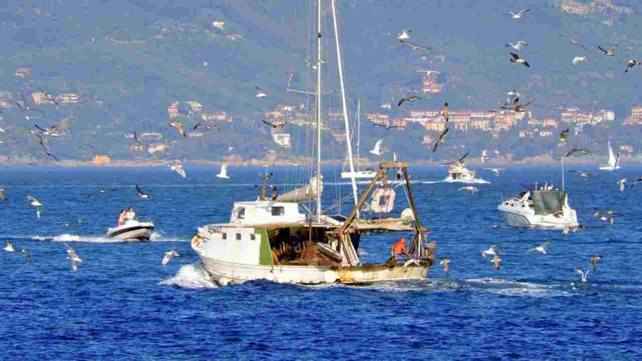 Libia, pescherecci sequestrati