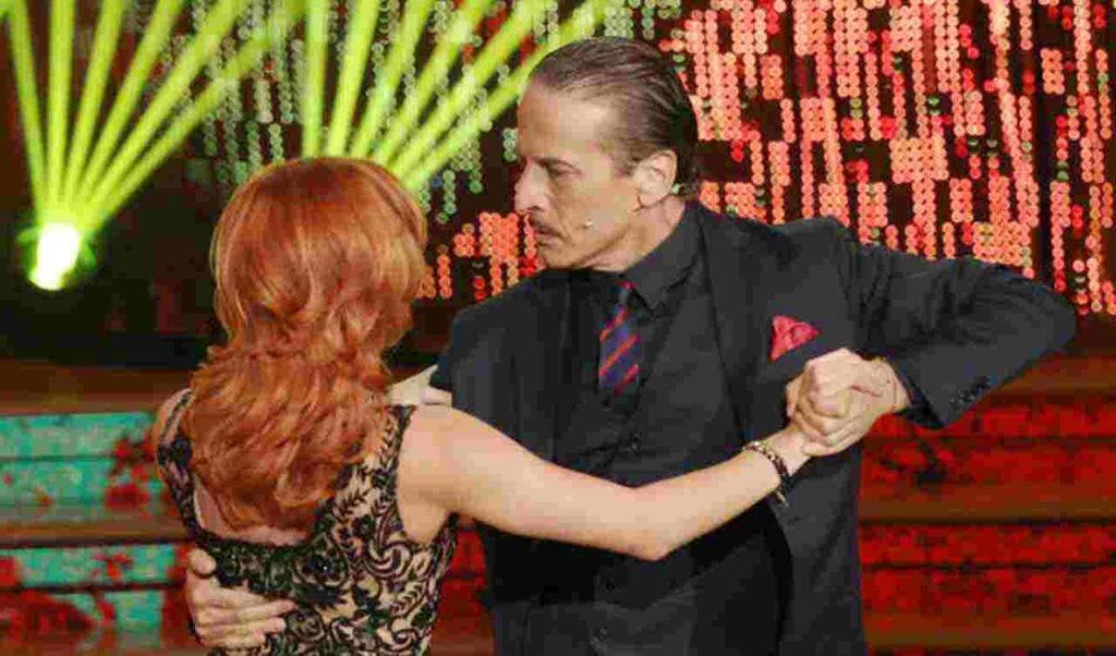 Ballando, l'ex volto col pancione