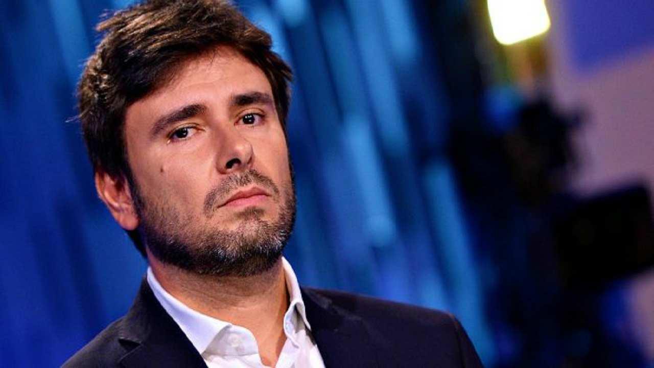 """Alessandro di Battista rompe il silenzio: """"Alleanza con Pd morte nera"""""""