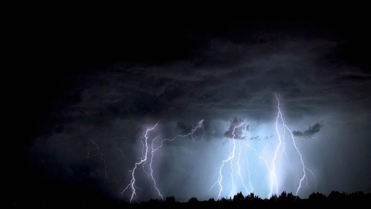 Allerta meteo 1° ottobre, le regioni a rischio nubifragio e piogge