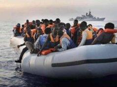 Lampedusa, naufragio di migranti: dispersi anche una donna incinta e due bambine