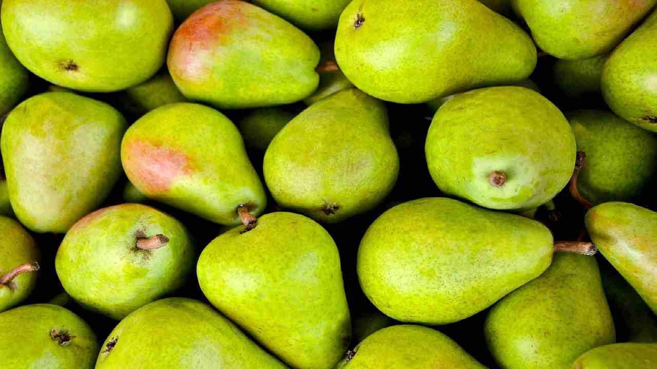 8 proprietà benefiche della pera
