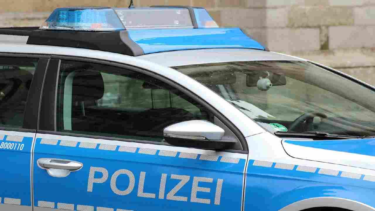 polizia berlino sgombera edificio