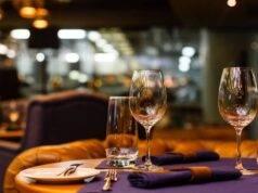 """Pesaro, la protesta di un ristoratore: """"Non chiudo, arrestatemi"""""""