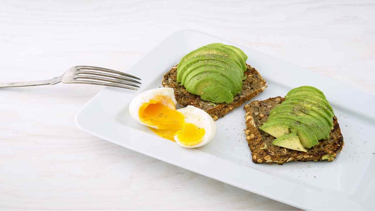 uova e avocado connubio vincente