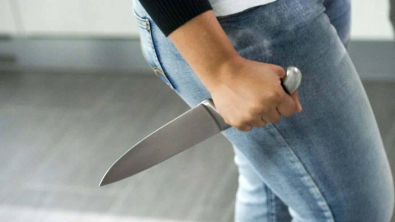 """""""Lo aveva denunciato per 13 volte"""", donna pugnalata a morte dal suo stalker"""