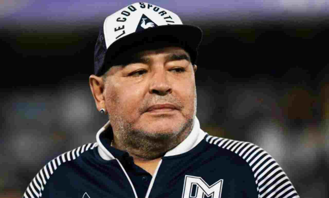 Maradona, in lutto l'Italia