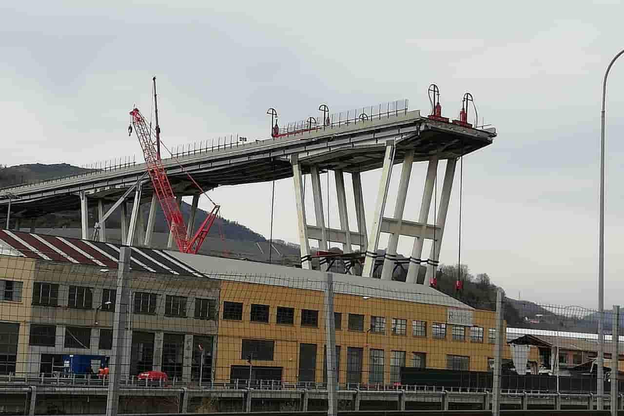 """Ponte Morandi, emerge l'intercettazione agghiacciante prima del crollo: """"Sappiamo che ha i cavi corrosi"""""""