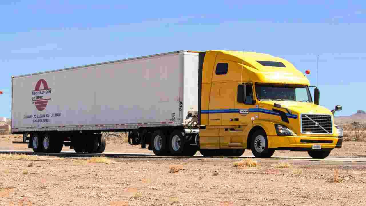 clandestini nascosti camion