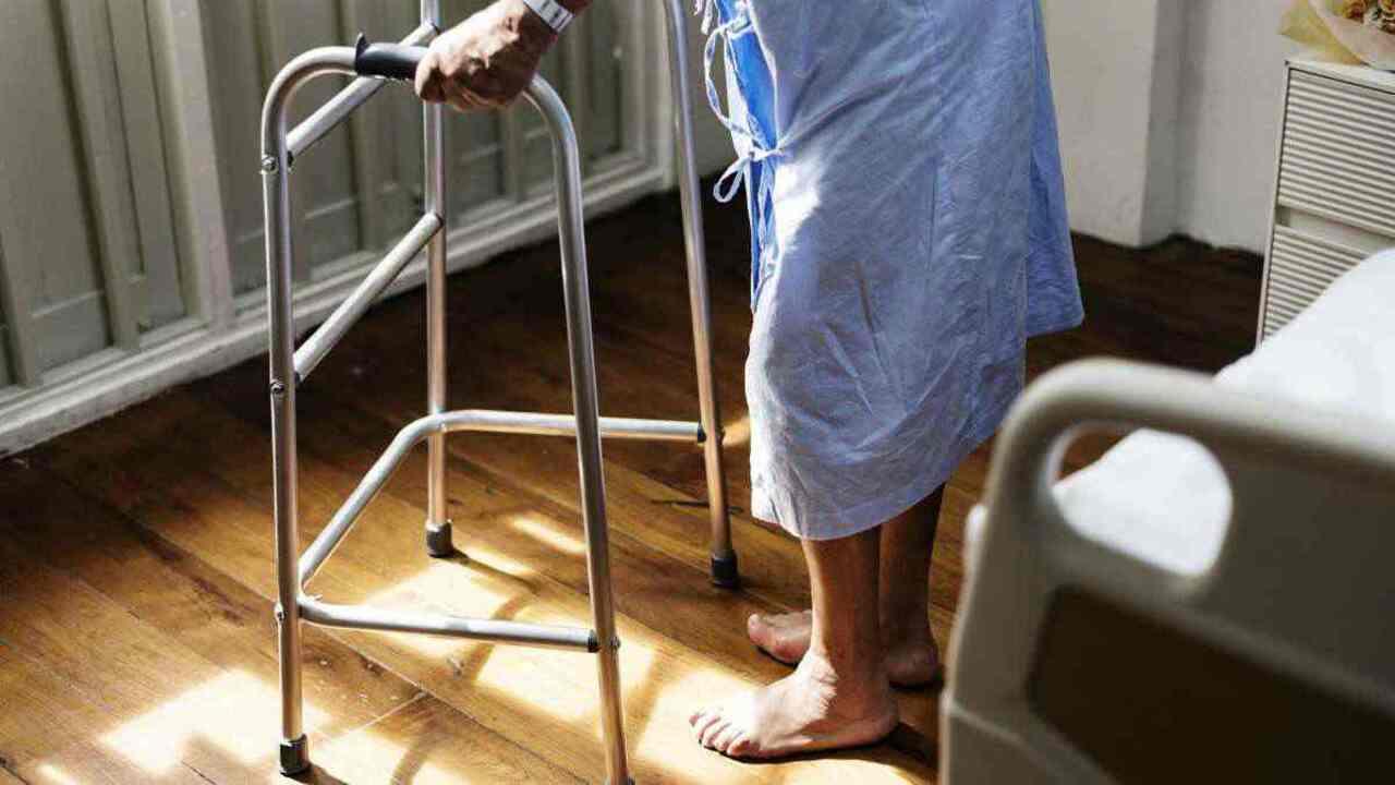 anziani maltrattati 4 arresti