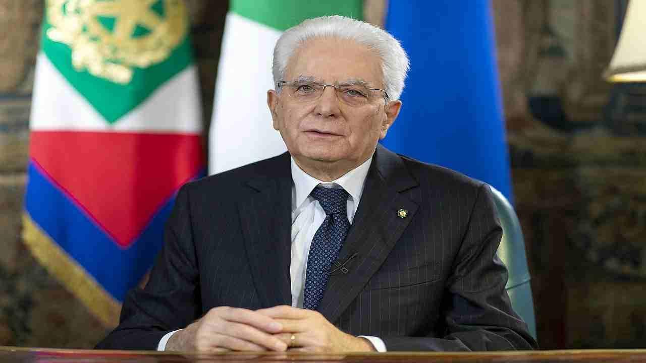 """Presidente Sergio Mattarella a muso duro: """"Parità uomo-donna non è stata raggiunta"""""""