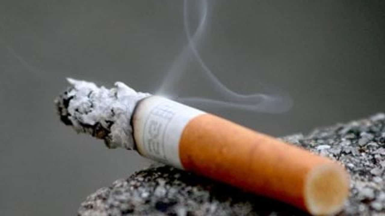 Sigarette, divieto di fumare in alcune zone all'aperto: il nuovo regolamento a Milano