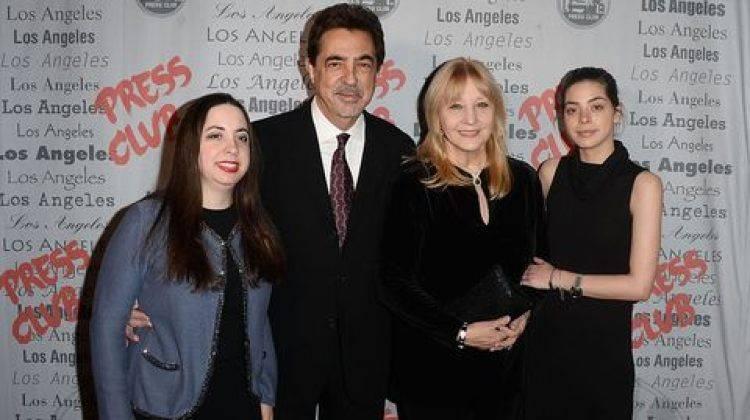 Joe Mantegna e famiglia