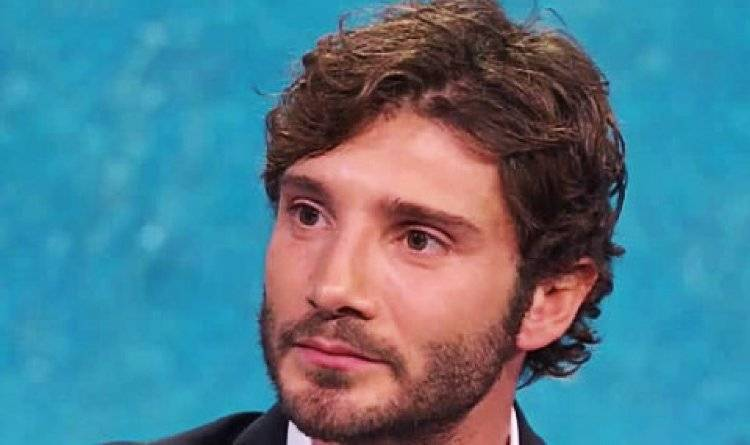 Stefano De Martino pronto alla convicenza