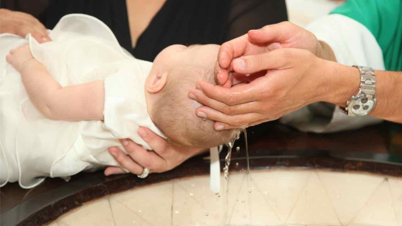 Palermo, rissa al battesimo