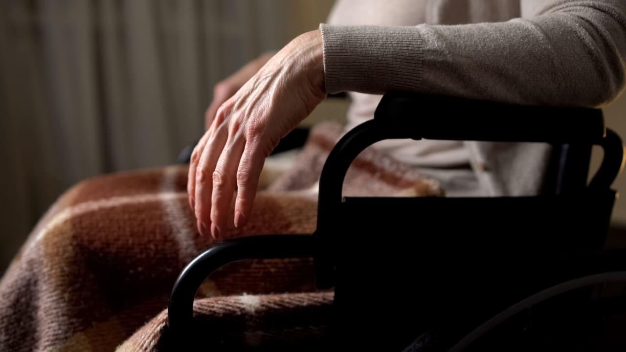 maltrattamenti anziani casa di riposo