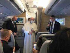 Papa Francesco è arrivato in Iraq, è il primo viaggio di un pontefice nel Paese