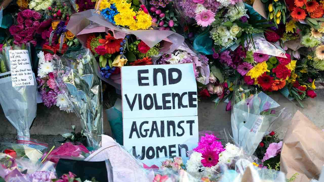 Sarah Everland, in piazza contro la legge