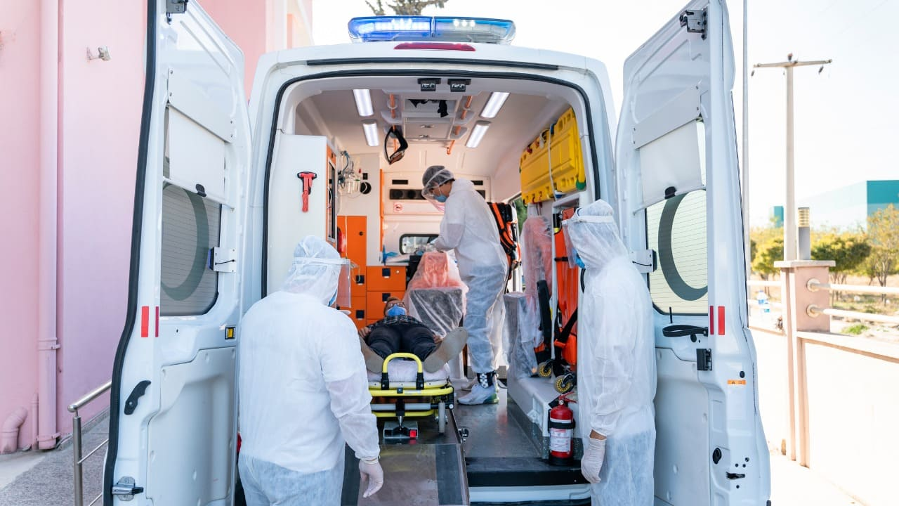 aggressione ambulanza Napoli