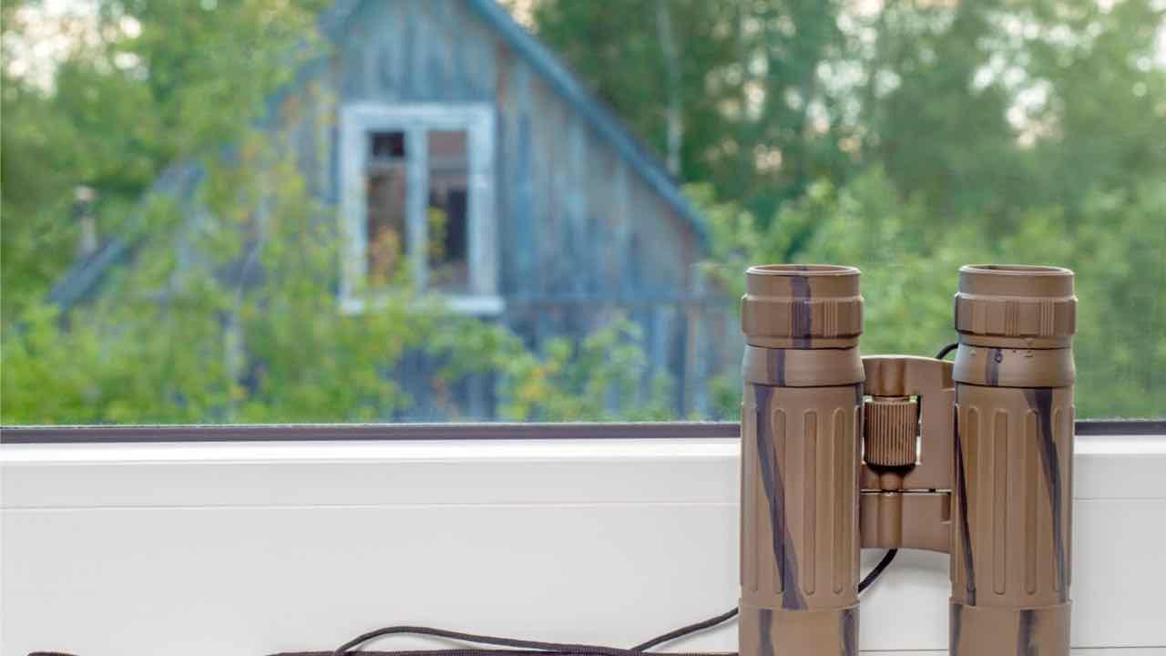finestra e cannocchiale