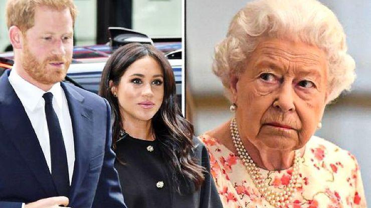 Regina Elisabetta terribilmente delusa da Harry e Meghan: l'ultima speranza della sovrana