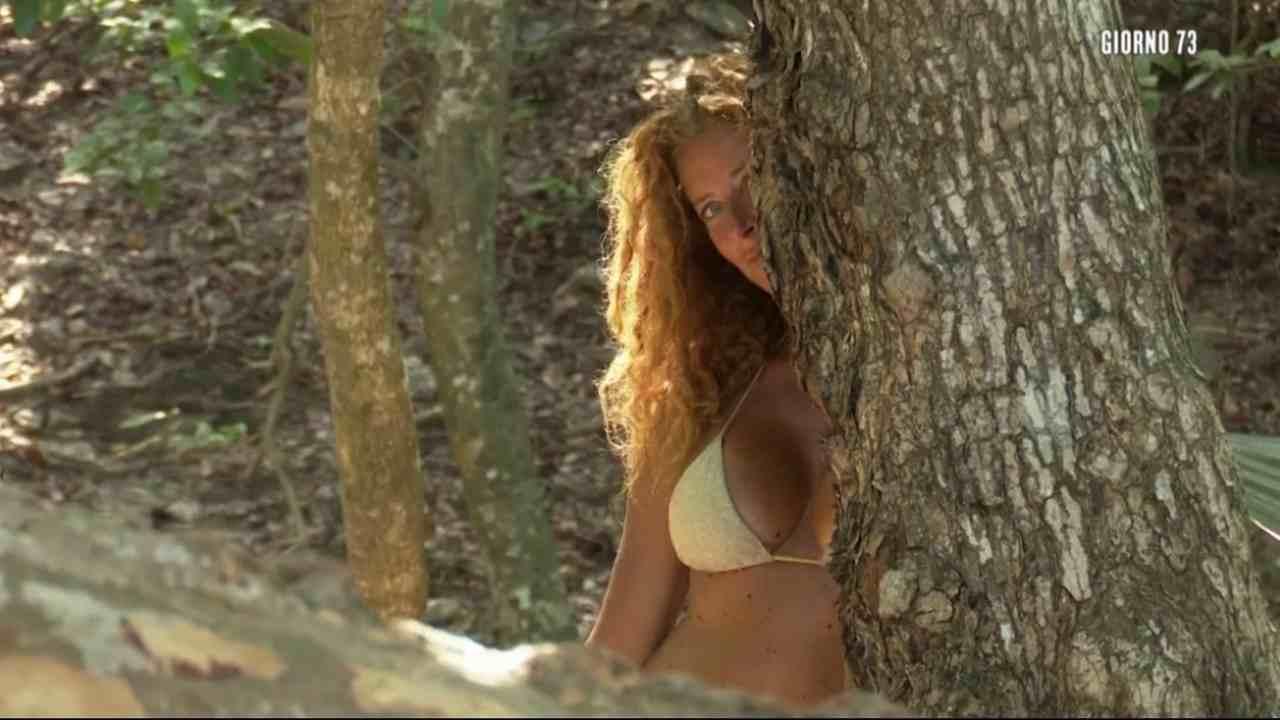 Valentina Persia, L'Isola dei Famosi 2021